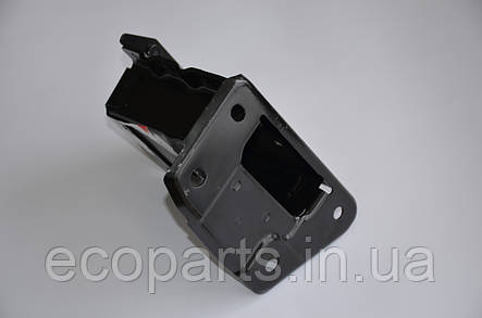 Кронштейн переднього підсилювача бампера правий Nissan Leaf, фото 2