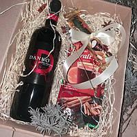"""Подарок """"Глинтвейн""""/марципан + вино + специ для глинтвейна + цельная корица + анис +декор/из Венгрии"""