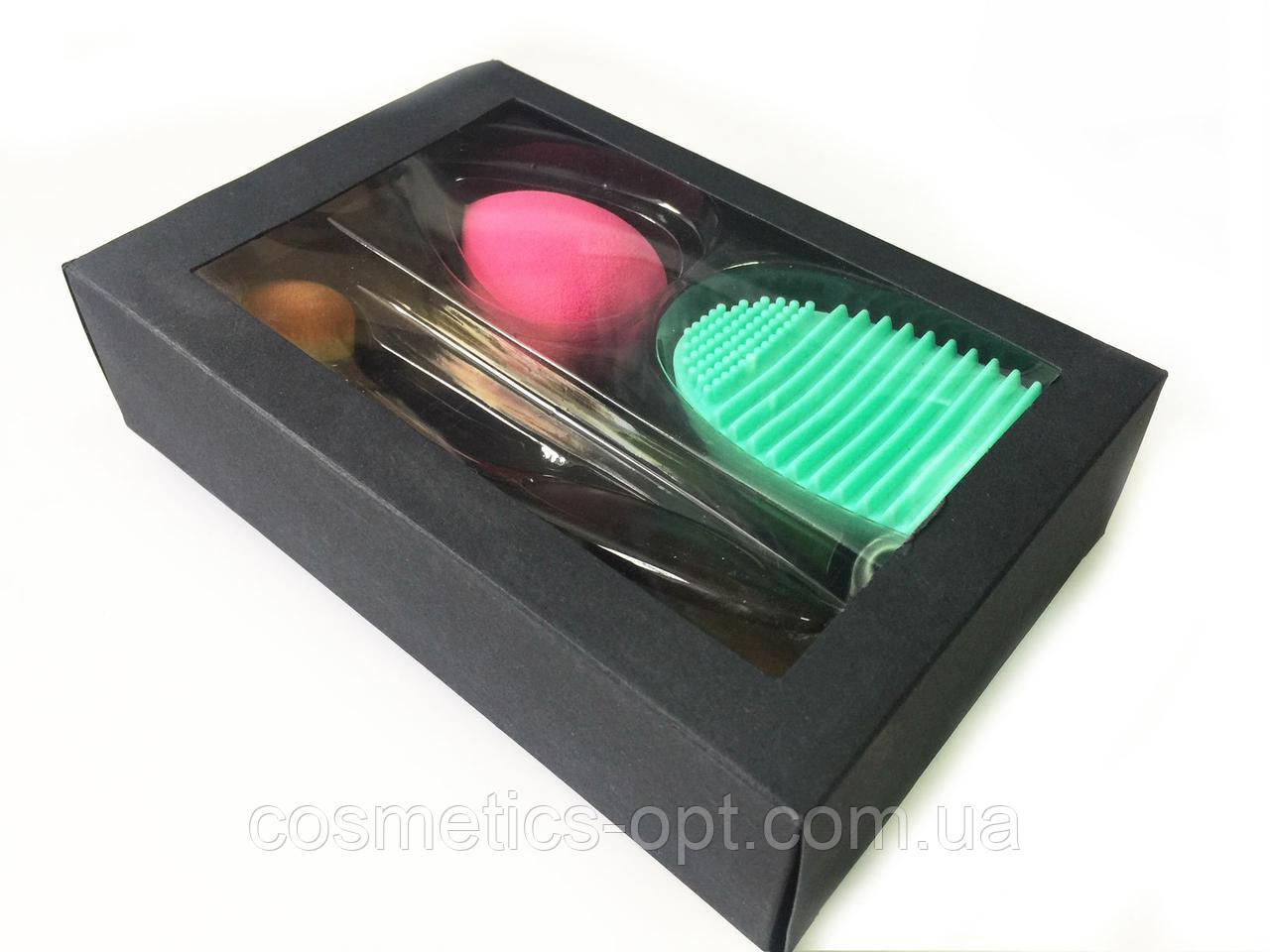 Набор для макияжа: щетка-кисть+спонж+очиститель для кисточек