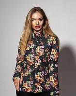 Женская демисезонная куртка. Цвет цветочный черный
