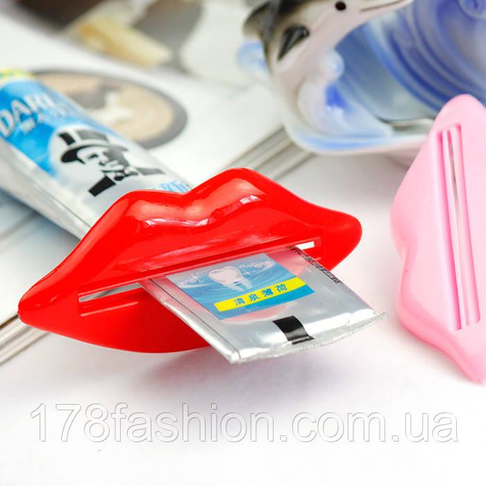 Набор выдавливателей для зубной пасты и кремов в виде губ двух цветов