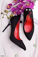 Женские туфли на шпильке с жемчугом на пяточке черные