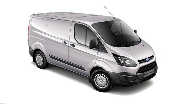 Лобовое стекло Ford Transit Custom с местом под датчик, камеру и молдингом (2013-)