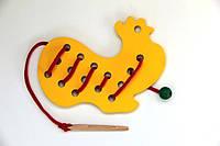 Деревянная игрушка-шнуровка для малышей Петушок, Komarovtoys (К 139)