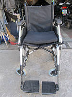 Инвалидная коляска для помощи в передвижении Meyra ширина сидения 43 см. б у  в хорошем состоянии