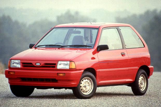 Лобовое стекло Ford Festiva / Kia Pride (93-00)  (1987-1993)