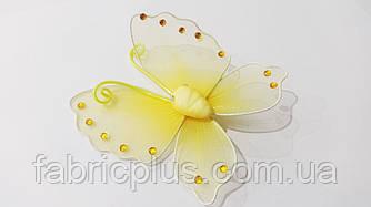 Бабочка со стразами  (на булавке) желтая
