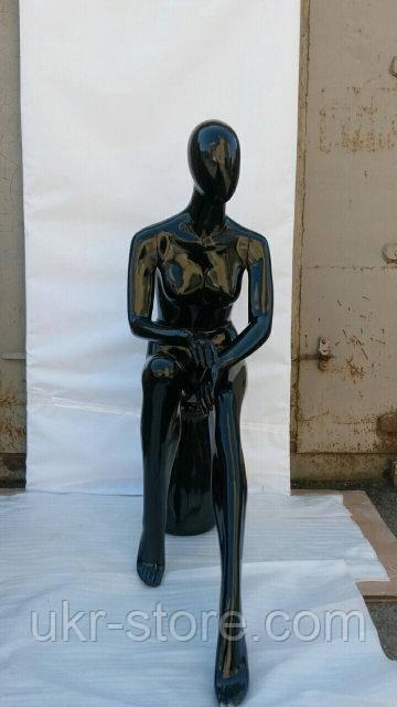 Женский манекен сидячий