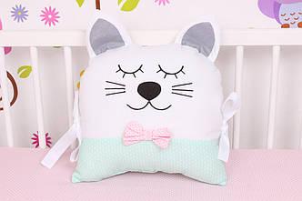 Подушка игрушка в детскую кроватку Кот