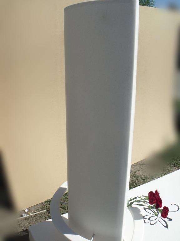 Памятник 23