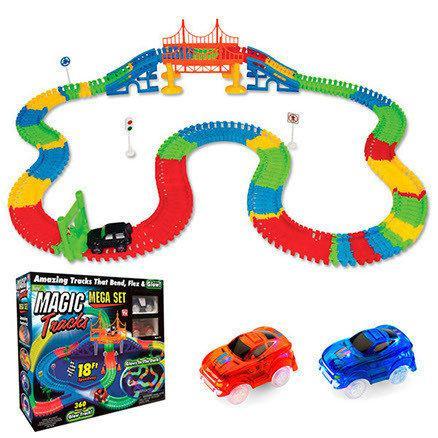 Детский автотрек Magic Tracks Mega Set 220 деталей + 2 машинки -  подарок для мальчика