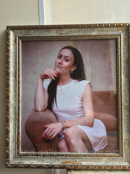 Портрет на холсте с фотографией коллеги
