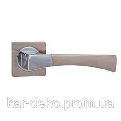 Ручка дверная на розетке R 08.130