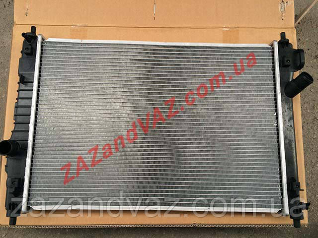 Радиатор охлаждения основной Авео Aveo T255 Вида Vida алюминиево-паянный HVCC Корея 95227749