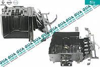 Полка / ящик под аккумулятор ( АКБ ) с 2006 8200720386 Nissan PRIMASTAR 2000-, Opel VIVARO 2000-