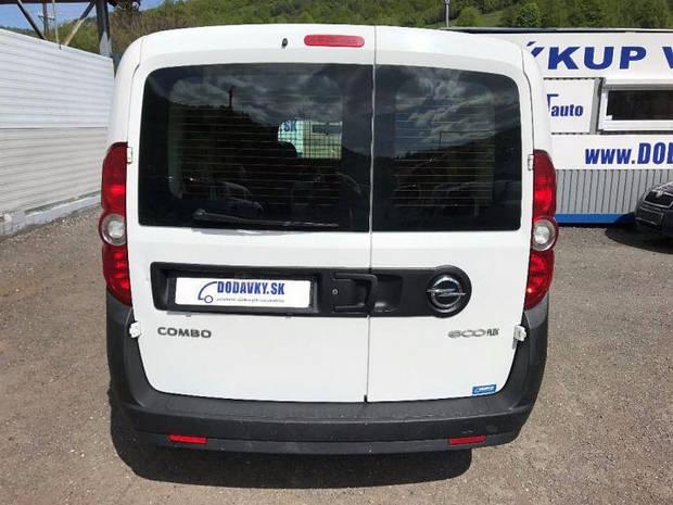 Заднее стекло (распашонка) левая с э.о. и отверствтем на Fiat Doblo 2010-