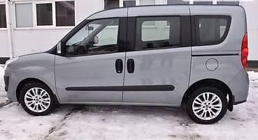 Задний салон, короткая база левое окно на Fiat Doblo 2010-