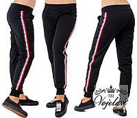 Женские черные брюки с лампасами 88011(норма)
