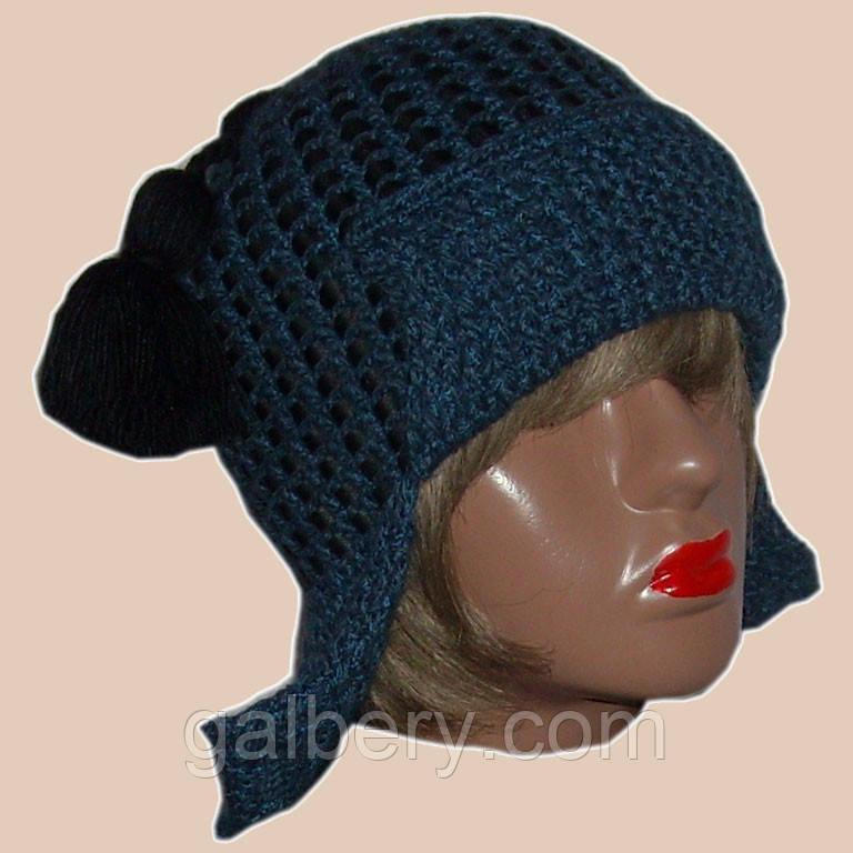Женская вязаная шапка-ушанка джинсового цвета с кожаными вставками