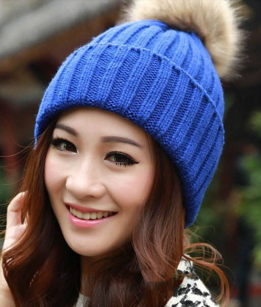 Шапка женская с бубоном (синяя)