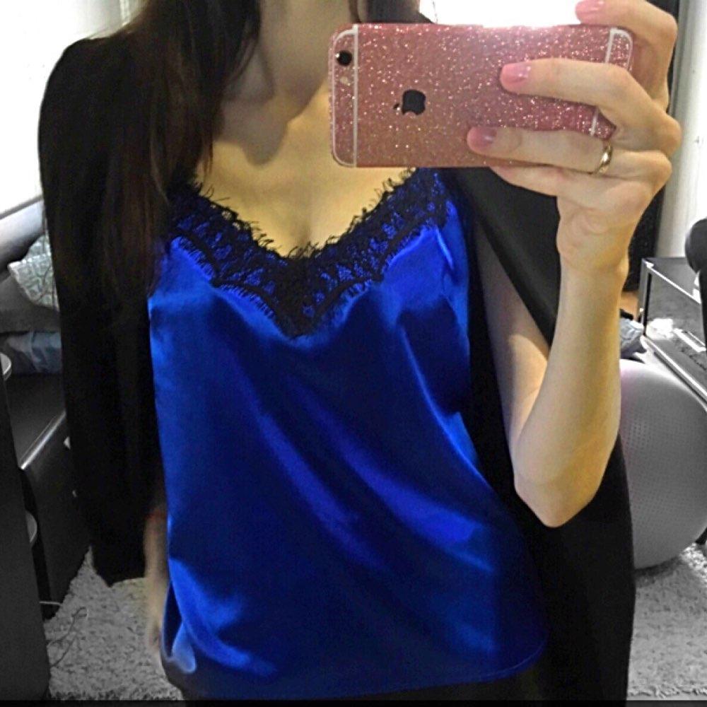 76277aa778ec4 Шелковая майка в бельевом стиле с кружевом (синяя): продажа, цена в ...