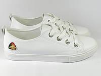 Белые стильные женские кеды на шнурках