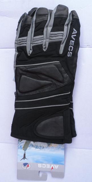 Лыжные и сноубордические перчатки