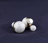 Cерьги mise en Dior белые с золотыми листиками