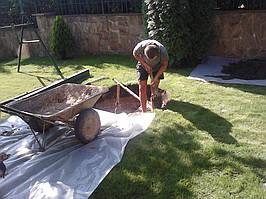 Выкопали выгребную яму под метровые кольца,по жытомерськой трасе. -1