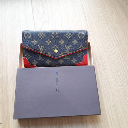Кошелек Louis Vuitton раскладной на кнопке, с красными вставками в коробке, фото 3