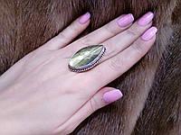 Красивое кольцо с натуральным граненным камнем лабрадор в серебре. Кольцо с лабрадором.