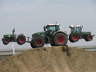 Гидравлическая навесная система и навесной механизм тракторов