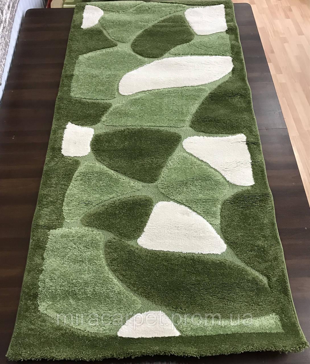 Зеленый ковер в гостиной,зеленый ковер с длинным ворсом,зеленый ковер с высоким ворсом