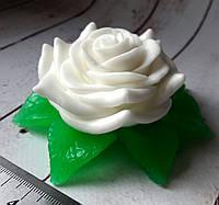 Мыло ручной работы Роза с листочками в лукошке