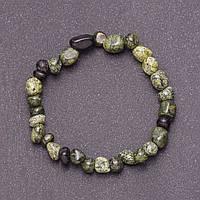 Браслет из натурального камня Змеевик на резинке d-7мм обхват 18мм