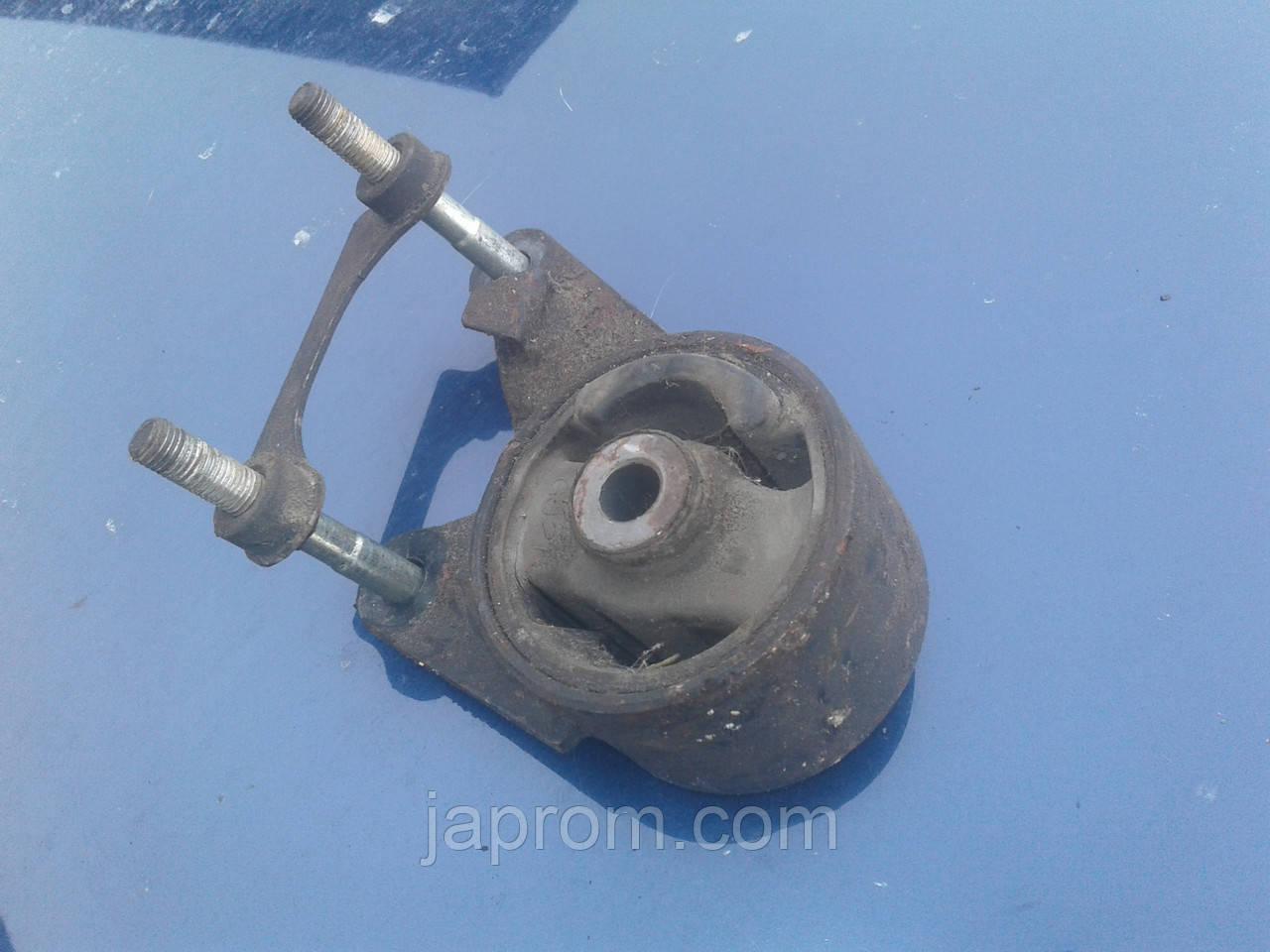 Подушка (опора) двигателя задняя Mazda 626 GD 1987-1991г.в. МКПП