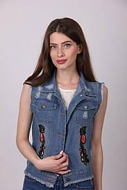 Оригинальная джинсовая жилетка