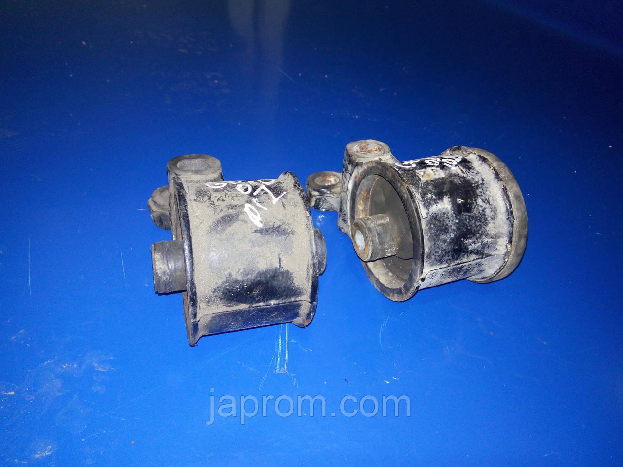 Подушка (опора) двигателя левая Mazda 626 GE 1992-1997-2002г.в. 2,0 дизель