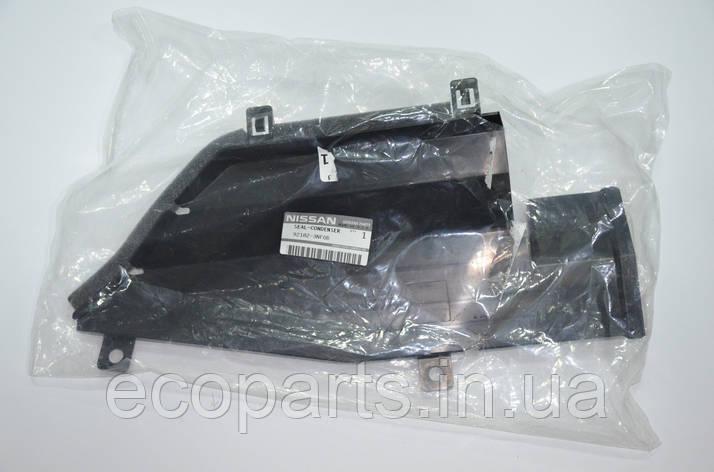 Дефлектор радіатора верхній правий Nissan Leaf, фото 2