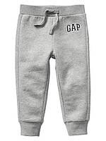 Спортивные флисовые штаны Gap для мальчика серый 2Т/86-93 см