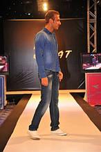 Классические мужские джинсы и прямые