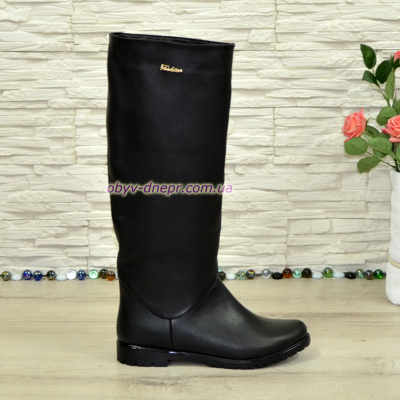 Сапоги-трубы женские кожаные демисезонные черного цвета