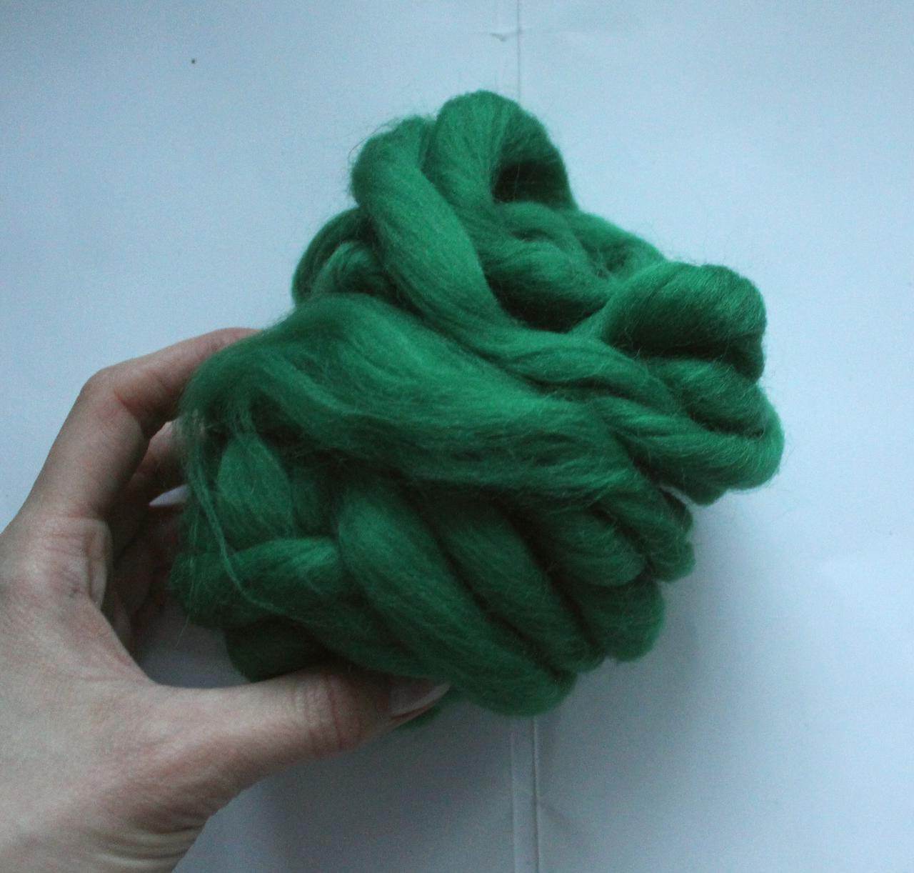 100% шерсть. 26мкрн. Цвет: Зеленый 46г, 2 см