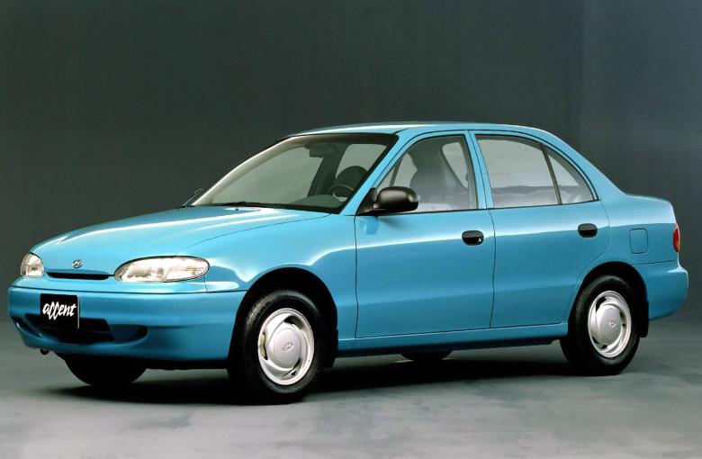 Лобовое стекло Hyundai Accent  (седан, хетчбек) (1994-1999)