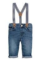 Джинсы на подтяжках H&M для мальчика 4-6 мес/68 см