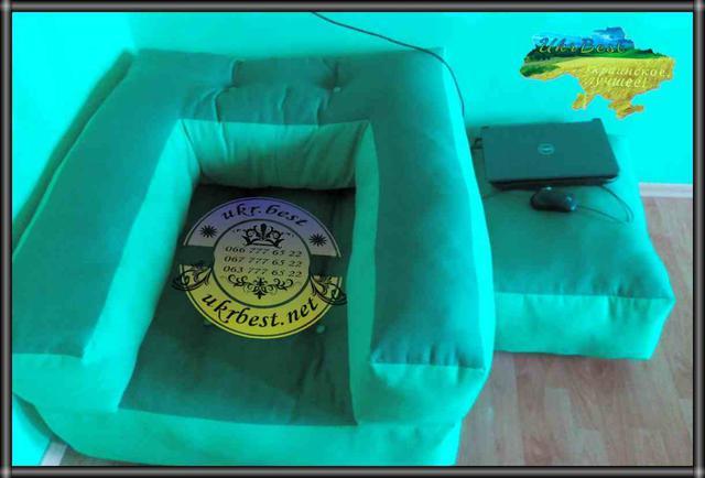 """'Кресло-кровать """"Классик"""" - казалось бы, уже такая знакомая и привычная - и всё-равно не перестаёт удивлять, поворачиваясь всё новыми гранями!.. Впервые сделали двухцветный зелено-салатовый Куб: и кресло, и пуфик."""