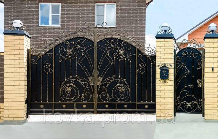 Кованые распашные ворота с калиткой, код: 01069