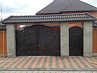 Кованые въездные ворота с калиткой