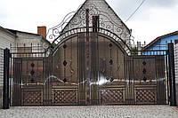 Распашные ворота с калиткой из поликарбонатом