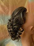 Хвост-шиньон кудрявый на крабе седой мелированный 6871-8/101, фото 6
